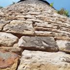 Steine ...zum Gebäude aufgeschichtet