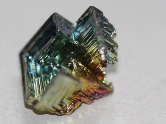 Bismut - ein Kunstwerk der Natur